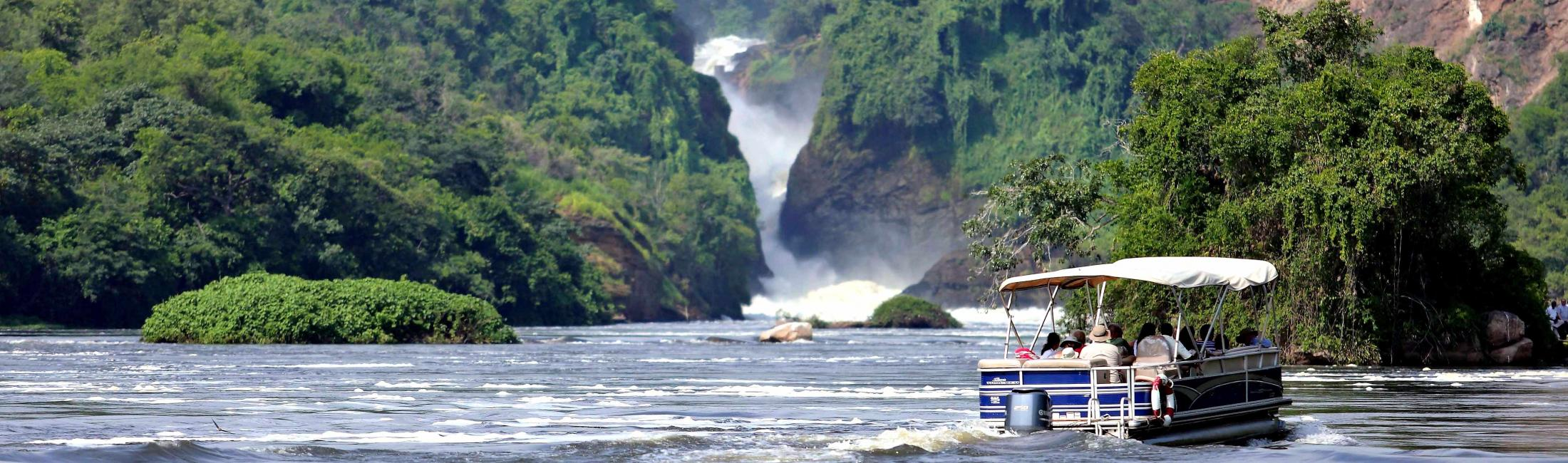 Boat trip on the Nile River upstream to Murchison Falls (Uganda)