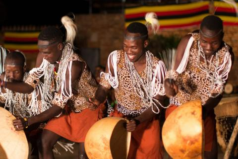 Performance Ndere Troupe with drums (Uganda)